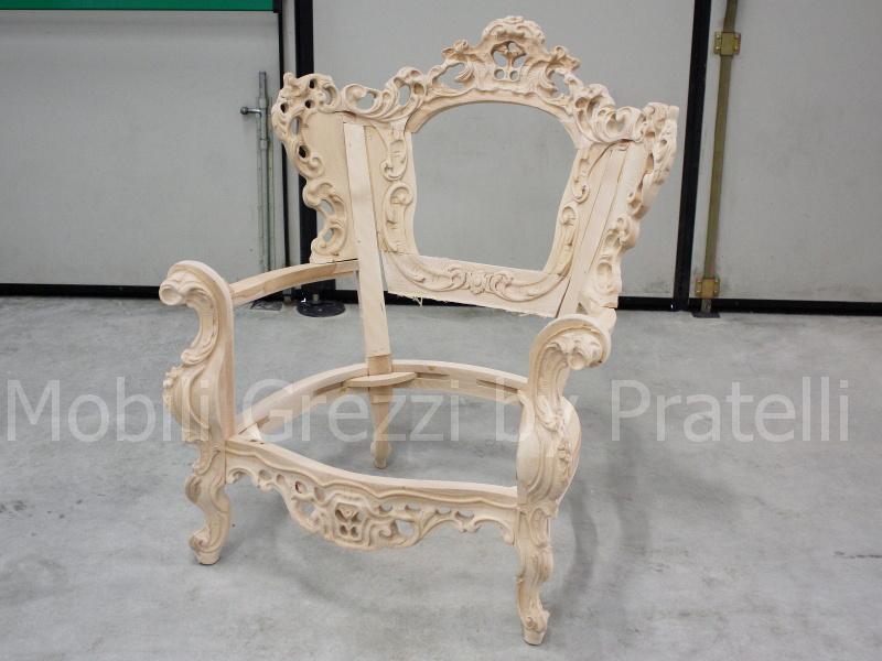 Poltrone barocche grezze poltrona barocco grezza con corona for Poltrone barocche